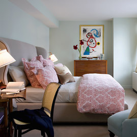 Warm interiors in Tribeca Green's bedroom layouts.