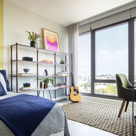 Floor-to-ceiling windows are high-performance and frame spectacular views of the Chicago skyline and West Loop.