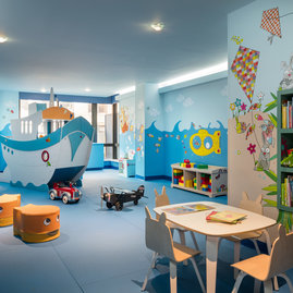The children's playrooom offers families dedicated space for their young explorers to run free, right inside the building.