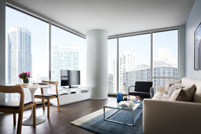 Floor-to-ceiling windows with breathtaking panoramas of the skyline, Lake Michigan, Chicago landmarks, and more